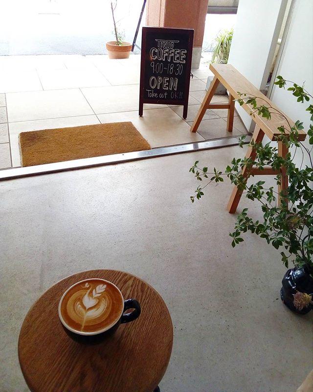 今日はTokyo coffee festival ですねTINTO COFFEEのコーヒー豆を焙煎してくださっているTERACOFFEE さんやの4Fのお花屋さんcochonさんも出展しています♪外は暑いので疲れたら休みに来てくださいねTINTO COFFEE 月ー金  9:00ー18:30土・祝 10:00ー18:30#coffee#coffeetime#coffeestand#tintocoffee#cake#cookie#お菓子#ケーキ#クッキー#マフィン#コーヒー#コーヒースタンド#渋谷#青山