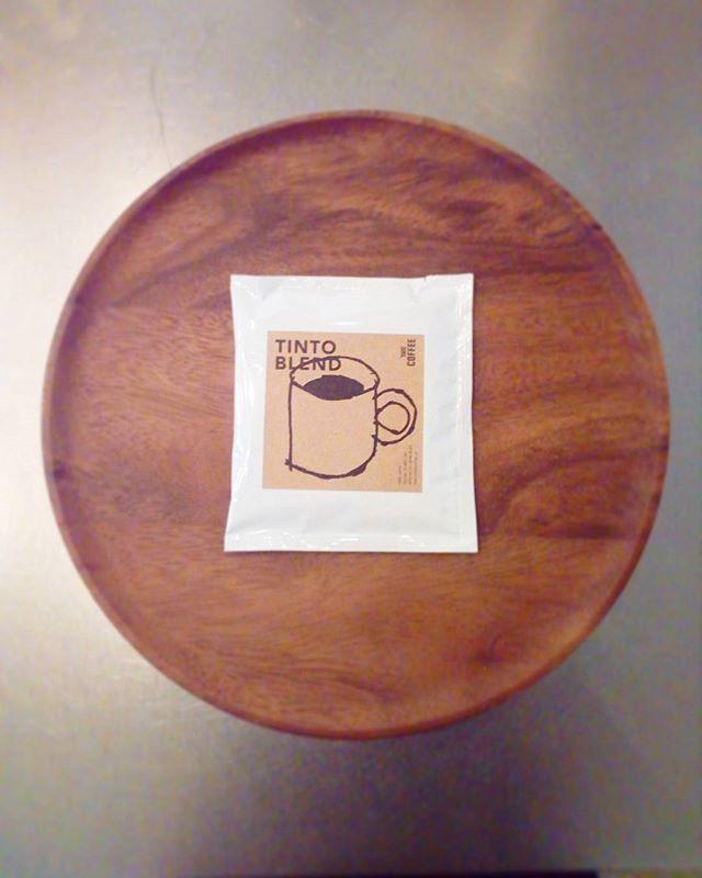 こんにちはオリジナルブレンドのドリップバッグですこの前購入してくれたお客様はキャンプに持っていくそうです .お得な3つセット、5つセットもありますよーーー♪TINTO COFFEE 月ー金  9:00ー18:30土・祝 10:00ー18:30#coffee#coffeetime#coffeestand#tintocoffee#cake#cookie#お菓子#ケーキ#クッキー#マフィン#コーヒー#コーヒースタンド#渋谷#青山