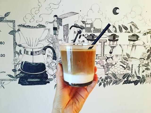 .こんにちは!本日も太陽がサンサンとしていて暑い午後になりそうですね️突然ですが、TINTOでは、全てのミルクドリンクを+50でソイミルクにも変更ができます!是非、お試しください〜! ..TINTO COFFEE 月ー金  9:00ー18:30土・祝 10:00ー18:30...#青山#渋谷#coffee#coffeestand#coffeetime#latte#コーヒー#ラテ