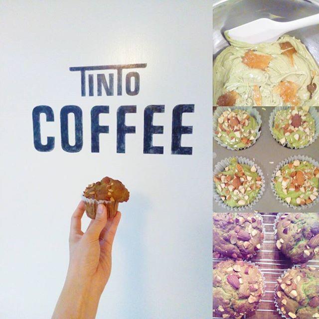 おはようございます今日は雨ですね少し涼しいので久しぶりにホットコーヒーはいかがですか?今日のマフィン抹茶マーマレードアーモンドマフィンですそれでは~今日も良い一日を.TINTO COFFEE 月ー金  9:00ー18:30土・祝 10:00ー18:30#coffee#coffeetime#coffeestand#tintocoffee#cake#cookie#お菓子#ケーキ#クッキー#マフィン#コーヒー#コーヒースタンド#渋谷#青山