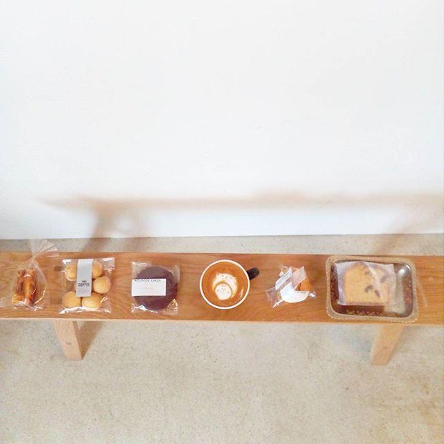 おはようございますお菓子とコーヒーでゆったりしていきませんか?TINTO COFFEE 月ー金  9:00ー18:30土・祝 10:00ー18:30#coffee#coffeetime#coffeestand#tintocoffee#cake#cookie#お菓子#ケーキ#クッキー#マフィン#コーヒー#コーヒースタンド#渋谷#青山