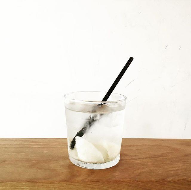 .自家製シロップジュースに、【梨のシロップ】が仲間入りしました!他には、はちみつレモン、キウイ、のご用意があります。ソーダ割りや水割りはもちろん、朝晩は涼しくなってきたので、お湯割りもオススメです!本日も、18:30までお待ちしております。...#tintocoffee#coffee#coffeestand#シロップジュース#シロップ#渋谷#青山#コーヒー#コーヒースタンド