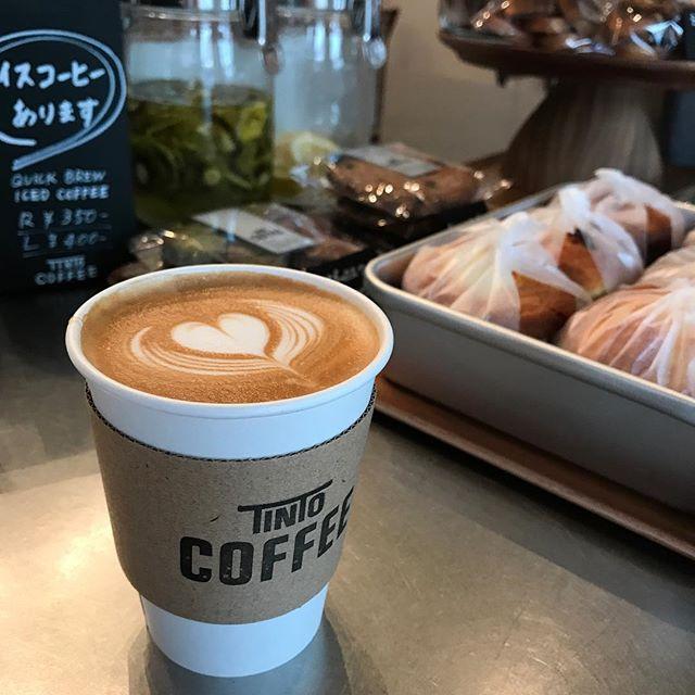 ラテのお供に手づくりの焼き菓子はいかがですか?人気のマフィン、まだありますよ^ ^#tintocoffee #maffin #cookie #latte #coffee
