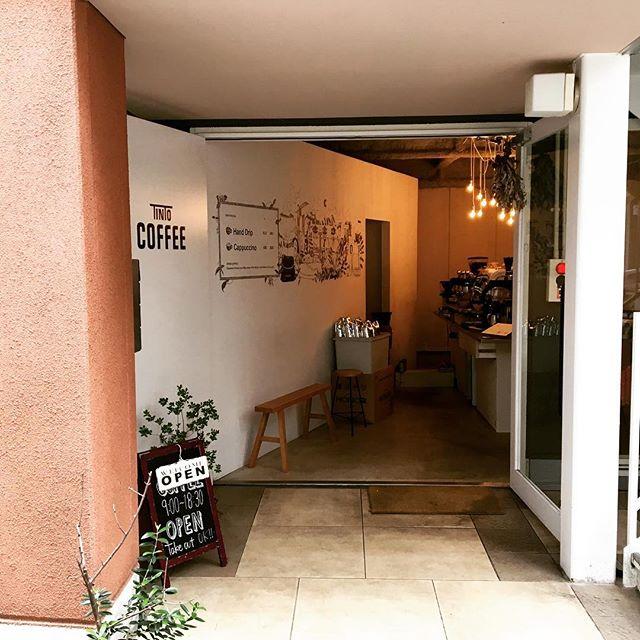 .おはようございます!朝から秋らしい風が吹いていますね昨日は突然の休業申し訳ありませんでした。本日は、18時半まで営業しておりますので、是非温かいコーヒーを飲みにいらして下さいね!#渋谷#青山#coffee#coffeestand#コーヒー