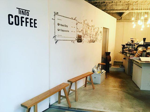 .気持ちの良い秋晴れですね店内に、秋の香りを含んだ風が入ってくるのでとっても気持ちが良いです。コーヒーがとても美味しく感じる季節ですね。本日、18時半まで営業しております️...#渋谷#青山#表参道#coffee#coffeeshop#coffeestand#coffeetime#コーヒー#コーヒースタンド
