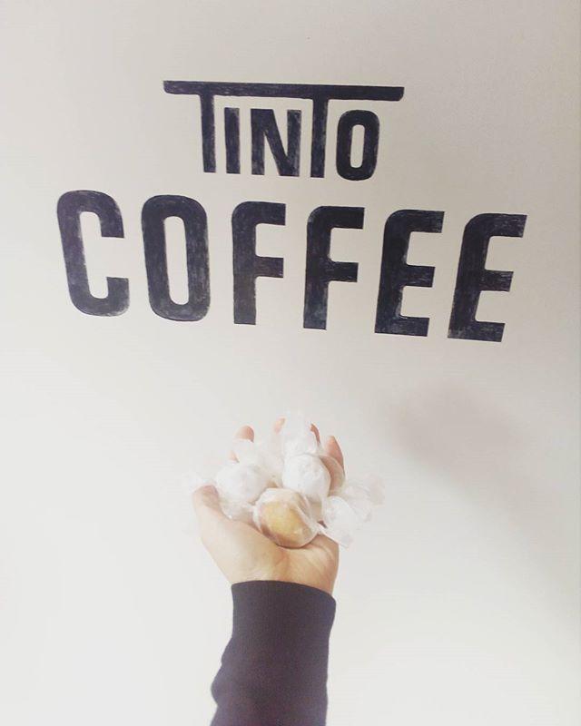 今日も11時までモーニングクッキー用意してます♪ ┋┋朝に来てくれるお客さんにクッキーのプレゼントをさせていただいています。忙しい朝が少しだけでも楽しくなってもらえれば良いなと思って┋┋ #TINTOCOFFEE#tintocoffee #coffee