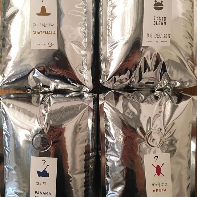.今朝は一段と冷え込みますね!寒い日には、温かいコーヒーを飲んでほっこりしたくなります️現在TINTOコーヒーでは、豆売りもしております。ご自宅用や、会社用、プレゼント用にも、是非ご利用下さい!...#渋谷#青山#表参道#coffee#coffeestand#コーヒー#コーヒースタンド