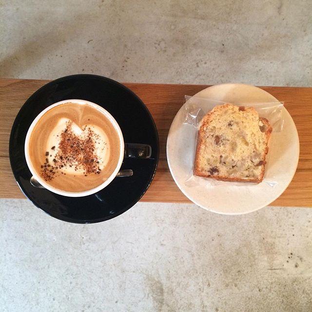 おはようございます🌞TINTOCOFFEE今日もOPENしました🐈… 昨日焼いたバナナブレッドはティントコーヒーと相性抜群なのでぜひ試してみてください外は寒いのでゆったりまったりしていってくださいね♪それでは良い1日をーーー︎ #tintocoffee #渋谷#渋谷コーヒー#青山#青山コーヒー#コーヒーショップ#スペシャルティコーヒー #ケーキ#クッキー#サンドイッチ
