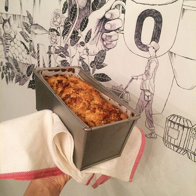 こないだ焼いたバナナブレッドすぐに売り切れてしまったのでまた焼きましたーールワンダのコーヒーと合いますよこれから暖かくなるみたいなので、よかったら遊びに来てください♪#tintocoffee #coffee#スープ#焼き菓子#サンドイッチ#渋谷#青山#表参道