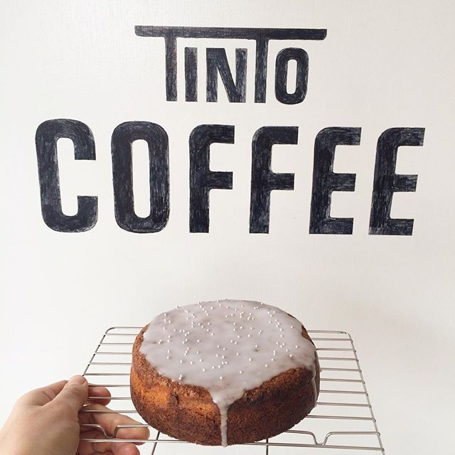 こんにちは︎ 今日もポカポカ良いお天気ですね︎ レモンケーキ焼けてます????イチジクの様な甘みを感じる浅煎りのホンジュラスと一緒に食べるのがオススメです♪#tintocoffee #coffee#焼き菓子#渋谷#青山#表参道#コーヒー#レモンケーキ#サンドイッチ