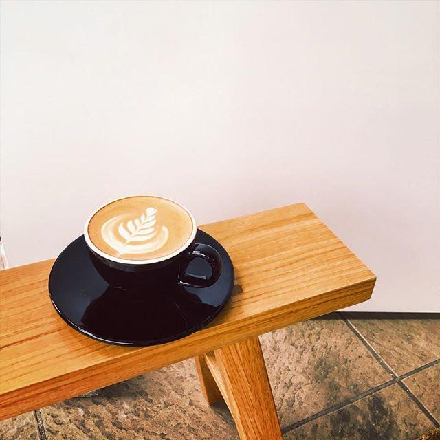 .おはようございます!日曜日の定休日も含め、4日間お盆休みをいただきました。今日から通常営業しております!クッキーやバナナブレッドもご用意しております。 コーヒーとご一緒にどうぞ。.本日も18:30まで営業しております。ぜひお立ち寄り下さい^ ^..#tintocoffee #coffee #coffeeshop #cappuccino #coffeetime #shibuya #omotesando