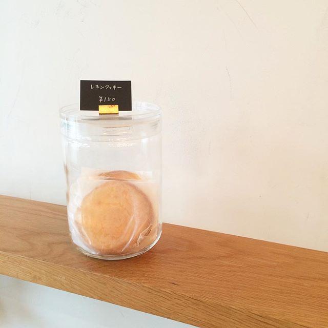 レモンクッキー焼きました🍋暑い日にぴったりのレモンの酸味の効いたクッキーです♪#TINTOCOFFEE#coffee#cake#cookies#コーヒー#ケーキ#クッキー#渋谷#表参道#青山#渋谷コーヒー#バナナブレッド#チーズケーキ
