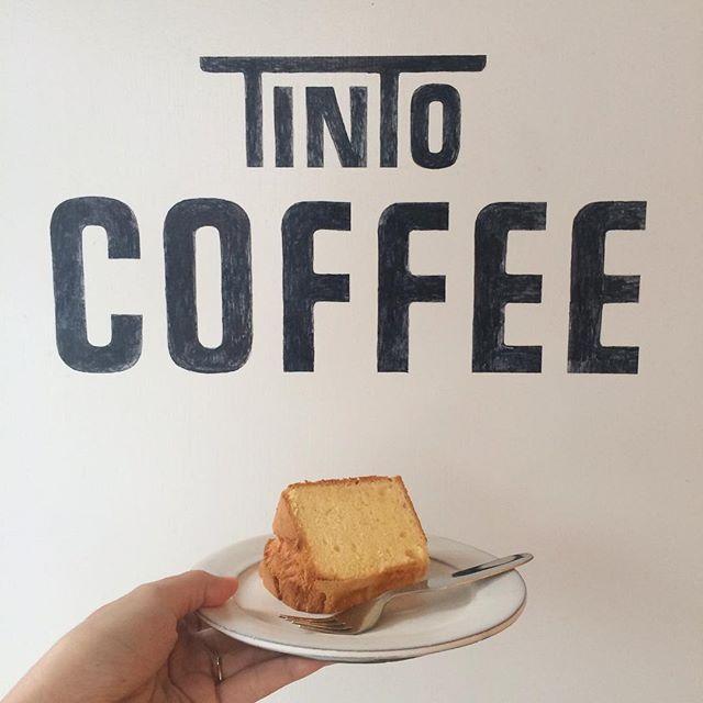 【シフォンケーキ】久しぶりにシフォンケーキ焼きました︎しっとりふわふわのシフォンケーキにはカプチーノがオススメです︎ #TINTOCOFFEE#coffee#cake#cookies#コーヒー#ケーキ#クッキー#渋谷#表参道#青山#渋谷コーヒー#ケーキ#サンドイッチ#レモンシロップ#シフォンケーキ