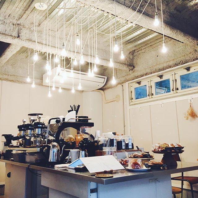 .おはようございます!10時からオープンしております!本日は都合により16:30に閉店いたします。アップルチョコパウンドなどお菓子をご用意しておりますので、どうぞお立ち寄り下さい。お待ちしてます♪...#tintocoffee #coffee #cappuccino #shibuya #omotesando